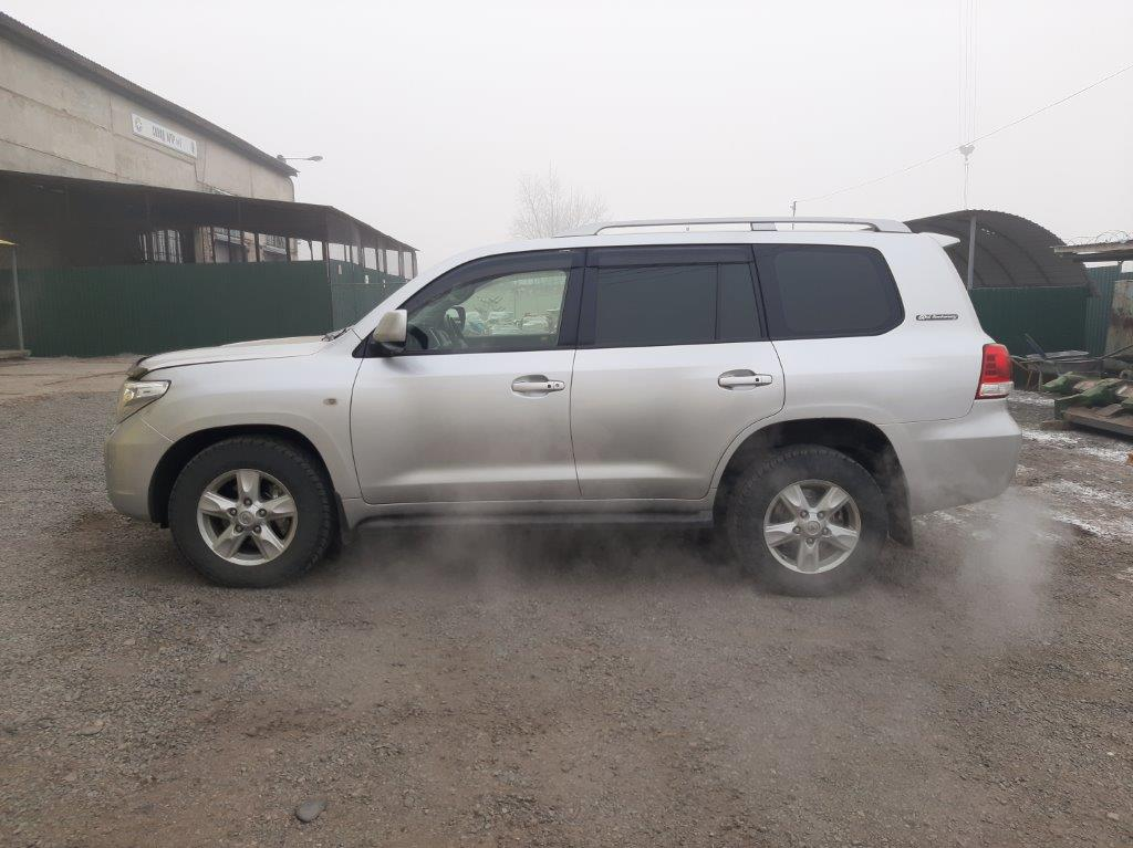 111812-TOYOTA LAND CRUISER 200, 2011 г.в